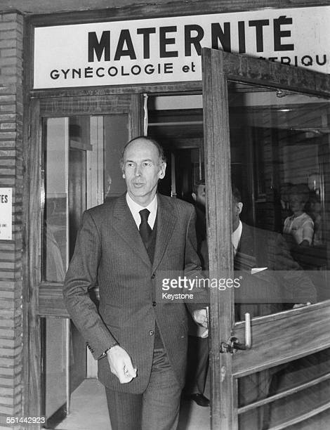 French President Valery Giscard D'Estaing leaving the maternity ward of Hospital Saint Antoine where is wife is about to give birth Paris circa 1975