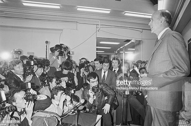 French president Valery Giscard d'Estaing speaks to the press on the evening of the first round of the 1981 presidential elections Giscard d'Estaing...
