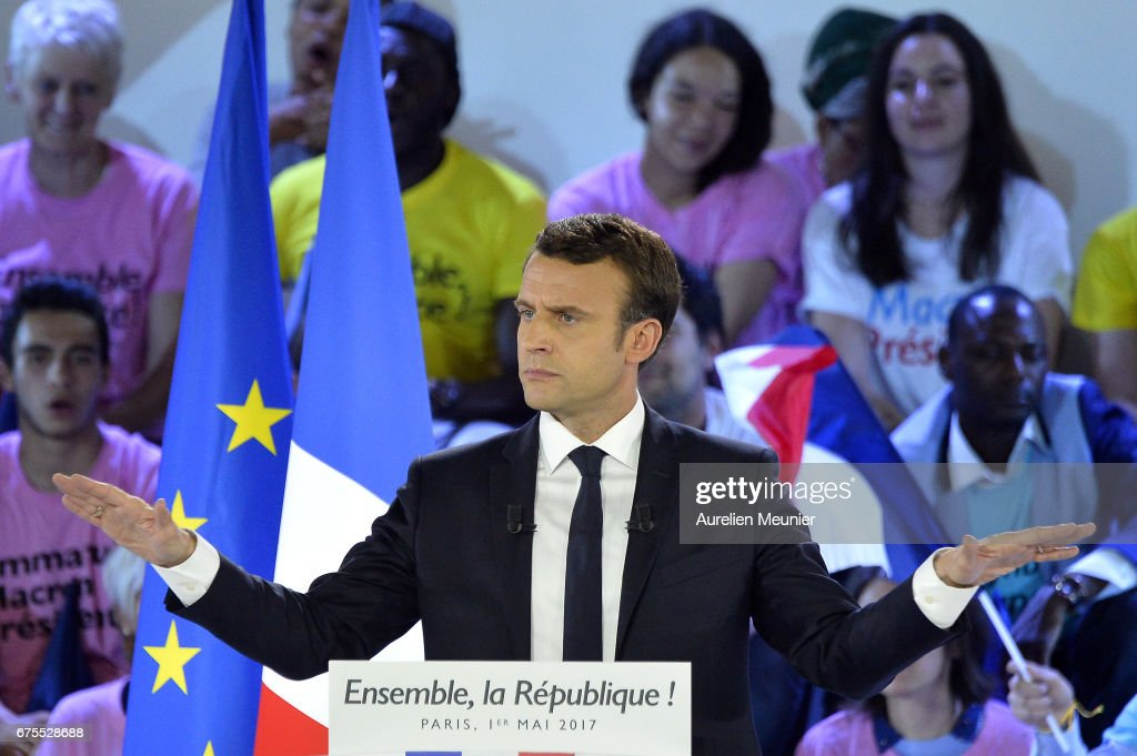 Presidential Candidate Emmanuel Macron Holds A Rally Meeting At Paris Event Center : News Photo