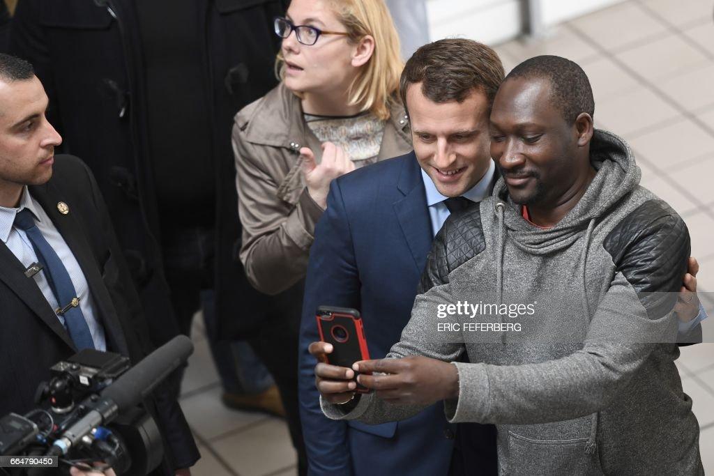FRANCE2017-VOTE-EN-MARCHE : News Photo