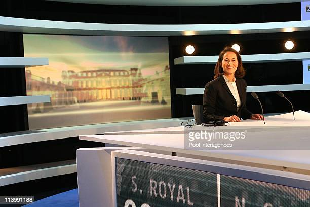 French Presidential Rivals Debate in Boulogne Billancourt France On May 02 2007French Presidential candidate Socialist Segolene Royal waits 02 May...