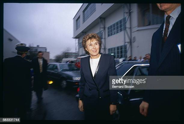 French Prime Minister Edith Cresson arrives for a visit to the CEA center in Saclay where more than 5000 scientists work on the French atomic program