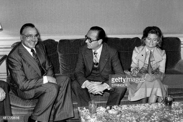 French Prime Minister Jacques Chirac receives on february 4 1976 German Helmut Kohl candidate for the Christian Democratic Union at the German...