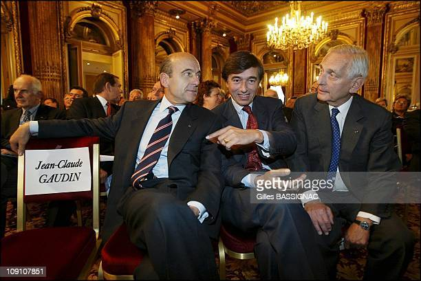French Prime Minister Jean Pierre Raffarin At The Ump Members Of Parliament Convention On September 30Th 2002 In Paris France Alain Juppe Philippe...