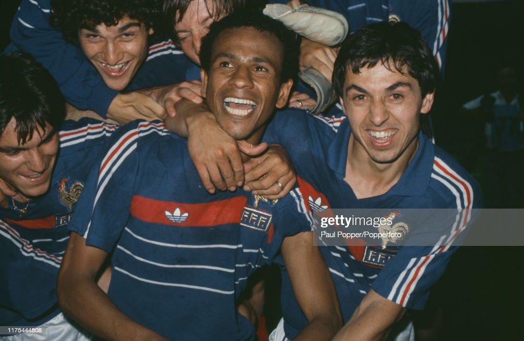 France Wins UEFA Euro 1984 Final : Photo d'actualité