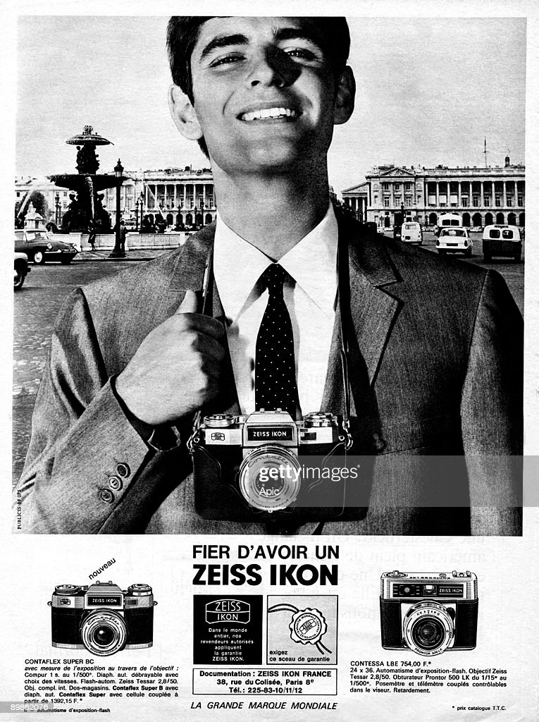 French publicity for the camera Zeiss ikon : the contaflex
