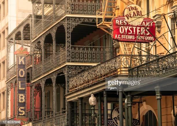 architettura del quartiere francese a new orleans louisiana usa - new orleans foto e immagini stock