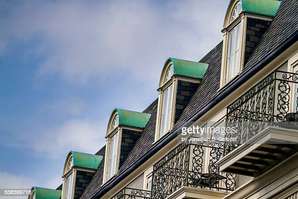 french quarter balcony - new orleans french quarter stock photos and pictures