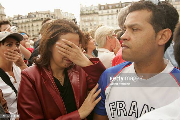 french reaction to losing 2012 olympic games to london - 2012 summer olympics london stock pictures, royalty-free photos & images