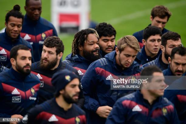 French rugby union national team attend a captain's run session in Marcoussis near Paris on November 17 on the eve of the rugby union international...