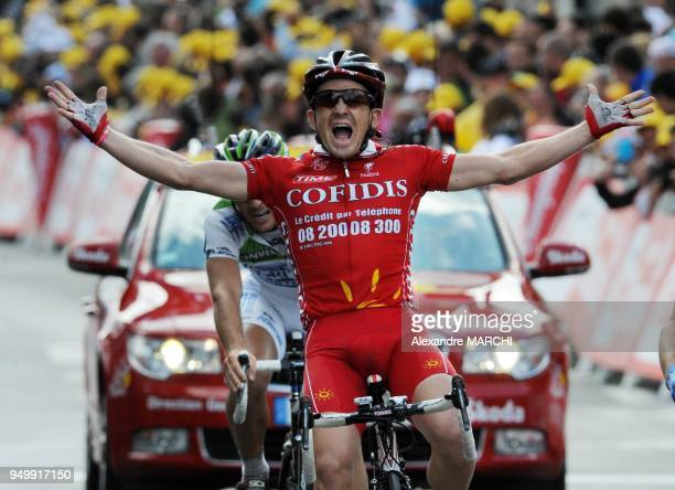 French Samuel Dumoulin jubilates on the finish line on July 7 2008 in Nantes after winning the 208 km third stage of the 2008 Tour de France cycling...