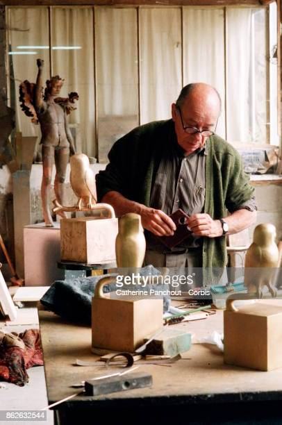 French sculptor FrançoisXavier Lalanne in his workshop at his home on September 26 1995 in Ury France
