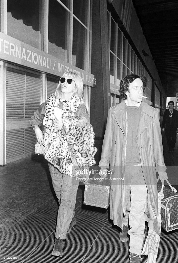 Amanda Lear and Alain-Philippe Malagnac in Fiumicino airport : News Photo