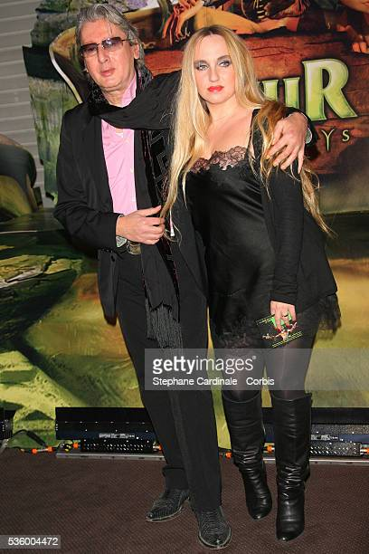 French singer Alain Bashung with date attend the premiere of the film 'Arthur et les Minimoys' held in Paris