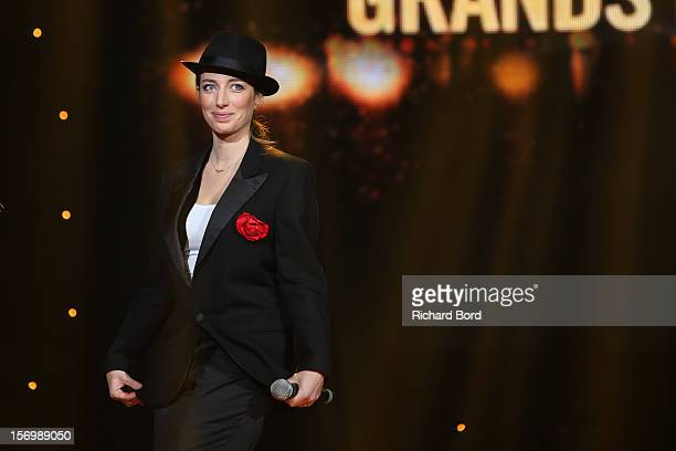 French singer Anais performs onstage as she receives the 'Prix Francis Lemarque' during the 'Grand Prix SACEM 2012' at Casino de Paris on November 26...