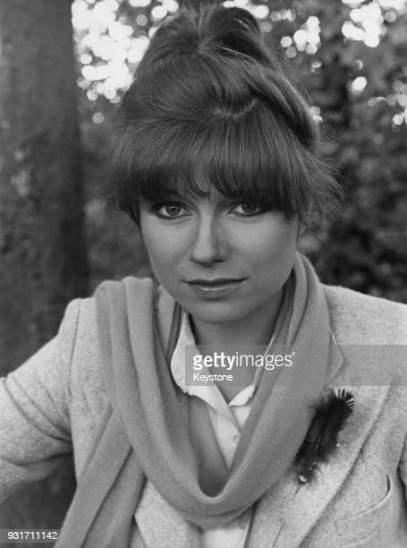 personnage de jovany 14 mai 18 bravo Ajonc - Page 3 French-singer-and-actress-karen-cheryl-21st-august-1979-picture-id931711142?s=612x612