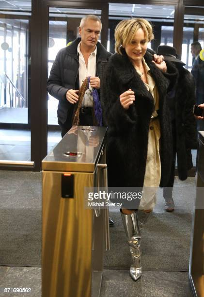 French singer and actress Patricia Kaas enters the hall prior to her press conference on November 8 2017 in Moscow Russia Patricia Kaas is planning...