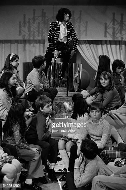 French singer Julien Clerc on the set of television show Sacha Show hosted by Sacha Distel
