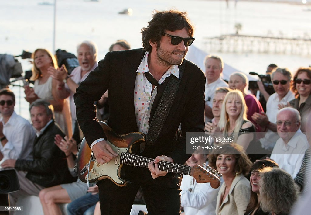 French singer Matthieu Chedid also known as 'M' performs during the Canal+ TV show 'Le Grand Journal' at the 63rd Cannes Film Festival on May 17, 2010 in Cannes.