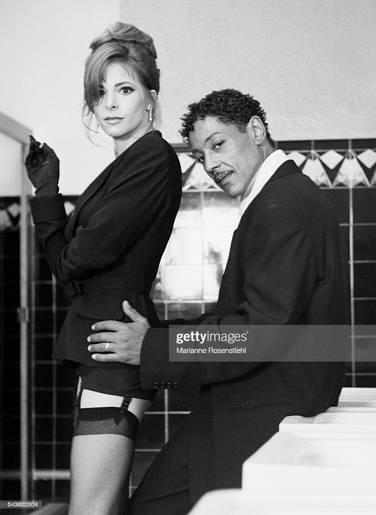 Mylène Farmer and Giancarlo Esposito : News Photo