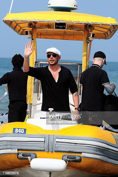 French Singer Pascal Obispo leaves the gathering for the planet organised by Gulli TV on Dune du Pilat at Le Pilat on April 22 2009 Le Pilat France