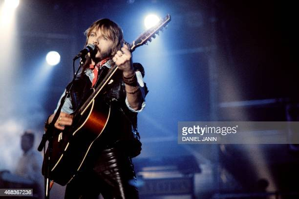 French singer Renaud performs on March 31 1984 in Bourges central France during the 8th Bourges' Spring Festival AFP PHOTO DANIEL JANIN