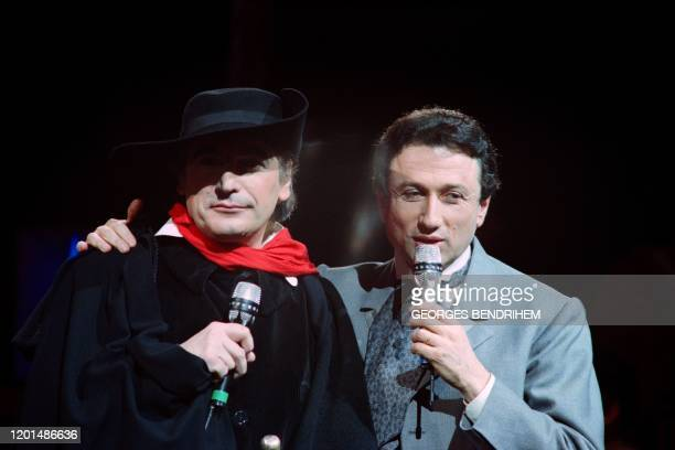 French singer Serge Lama attends on October 15 1987 the recording of a TV show hosted by Michel Drucker at the Paradis Latin in Paris