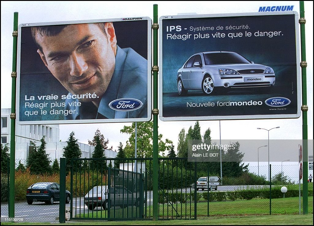 French Soccer Player, Zinedine Zidane In An Advertisement For Ford Automobiles In Nantes, France On October 06, 2001. : News Photo