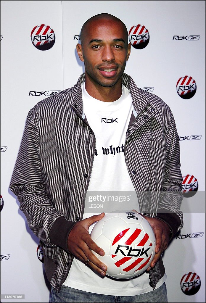 pronunciación miembro mezcla  French soccer Thierry Henry, a face of a new Reebok Football... News Photo  - Getty Images