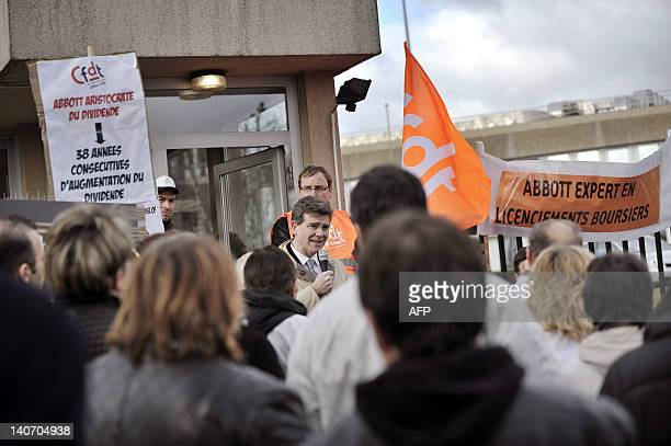 French Socialist MP and President of the SaoneetLoire departement Arnaud Montebourg speaks to employees of the Fournier pharmaceutical laboratories...