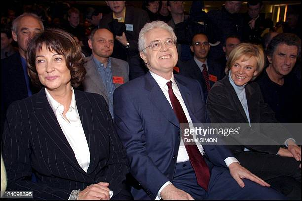 French socialist party extraordinary convention nominates Lionel Jospin as presidential candidate In Paris France On February 23 2002 Sylviane Jospin...