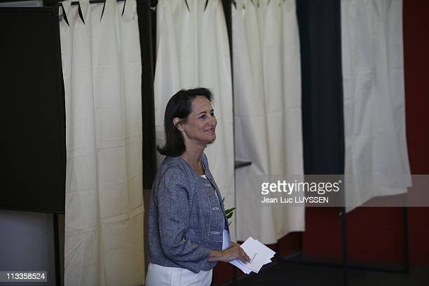 French Socialist Party Presidential Candidate Segolene Royal First Round Voting At A Polling Station In Melle France On April 22 2007 Segolene Royal