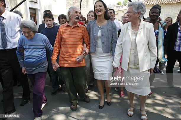 French Socialist Party Presidential Candidate Segolene Royal Strolling In Melle France On April 22 2007 Segolene Royal Ms and Mr Bellot