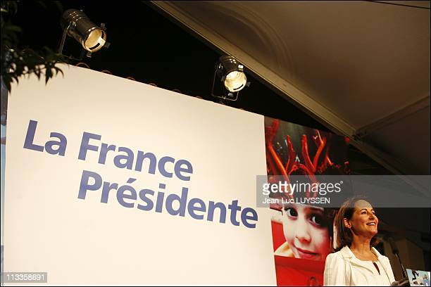 French Socialist Party'S Presidential Candidate Segolene Royal Speaks To The Supporters After The Announcement Of The Results In The First Round Vote...