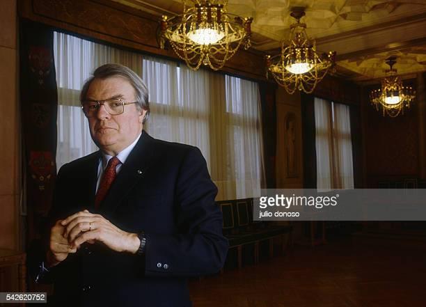 French socialist politician Pierre Mauroy