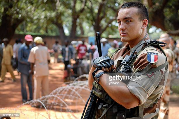 Soldat sur français patrouille