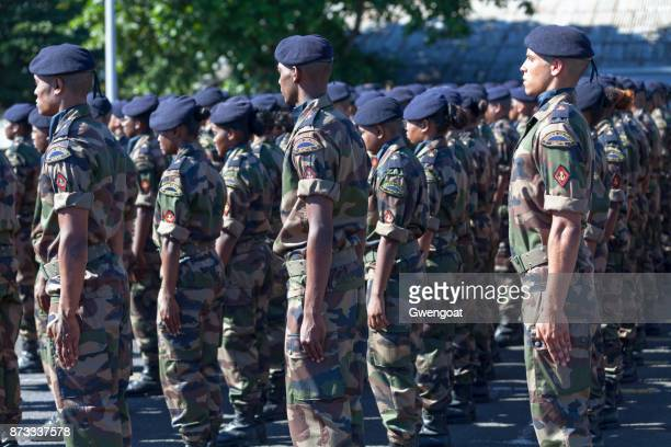 french soldiers standing at attention - french army stock pictures, royalty-free photos & images