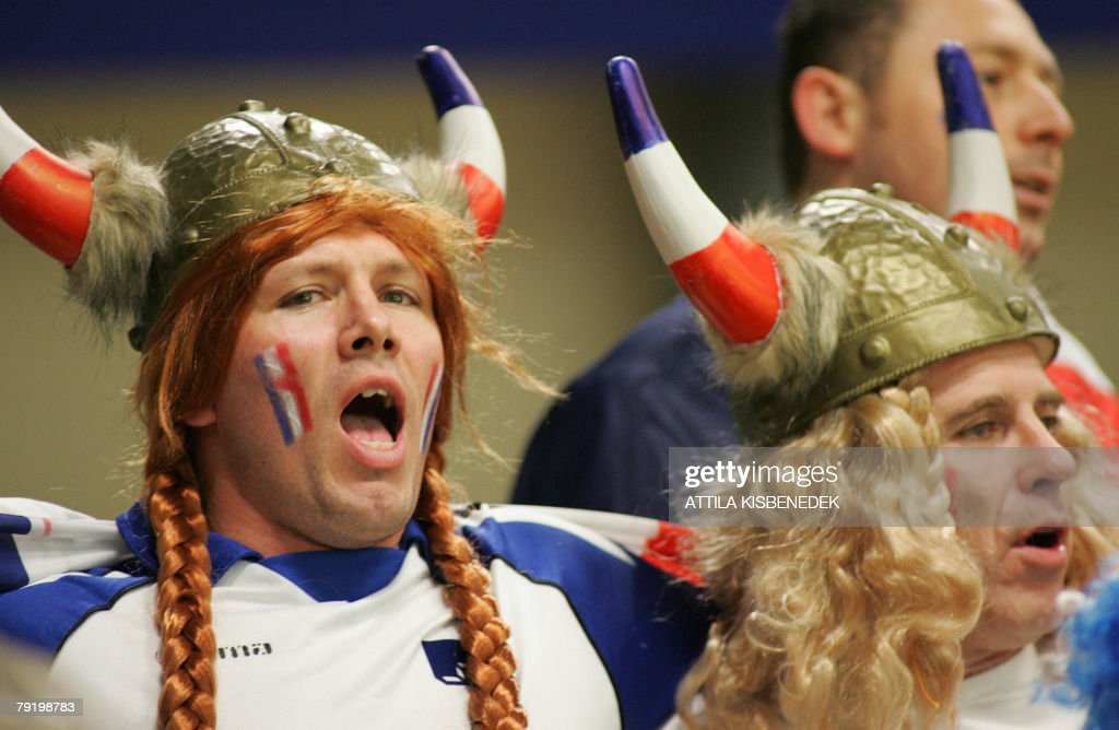 French supporters sing as they watch their team during their 8th Men's European Handball Championship Main Round match against Hungary, 24 January 2008 at the Spektrum sports hall in Trondheim. Hungary won 31-28.