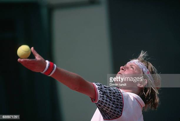 French tennis player Isabelle Demongeot competes in the 1989 French Open