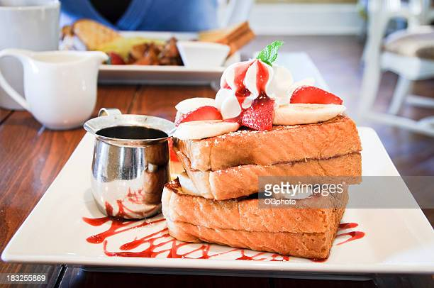french toast at a fancy restaurant - ogphoto stock pictures, royalty-free photos & images
