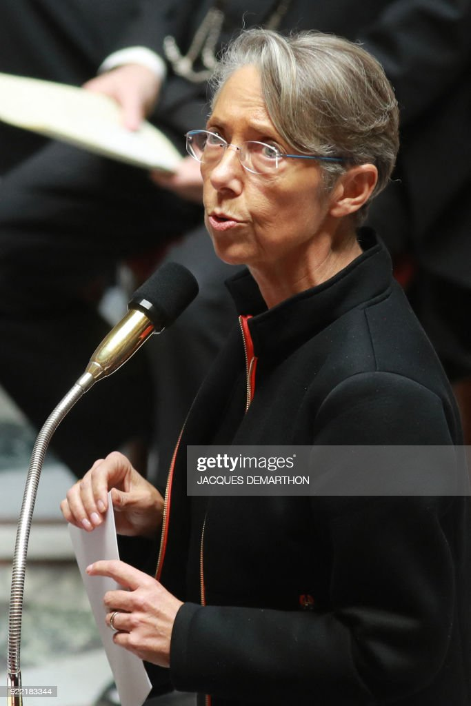 French Transports Minister Elisabeth Borne speaks during a session of questions to the government at the National Assembly in Paris on February 21, 2018. /