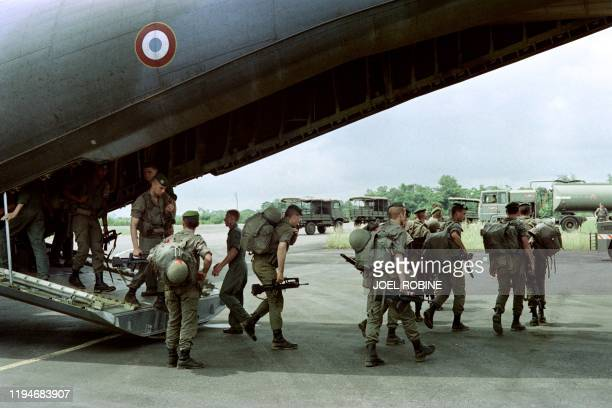 French troops arrive to reinforce Gabonese and French forces and to protect the French expatriate community on May 28 1990 in Libreville