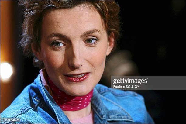 French Tv Show 'Vol De Nuit' Anna Gavalda ' Ensemble C'Est Tout ' Edit La Dilettante In Paris France On March 09 2004