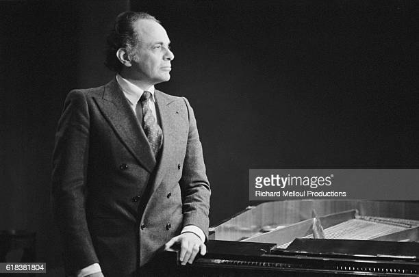 French violinist Lorin Maazel attend a press conference at the Maison de la Radio in Paris Maazel has been taking turns conducting the National...