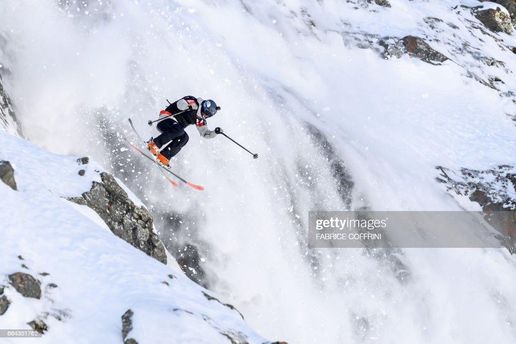 ALPINE-SKIING-SWI-FREERIDE-EXTREME : News Photo