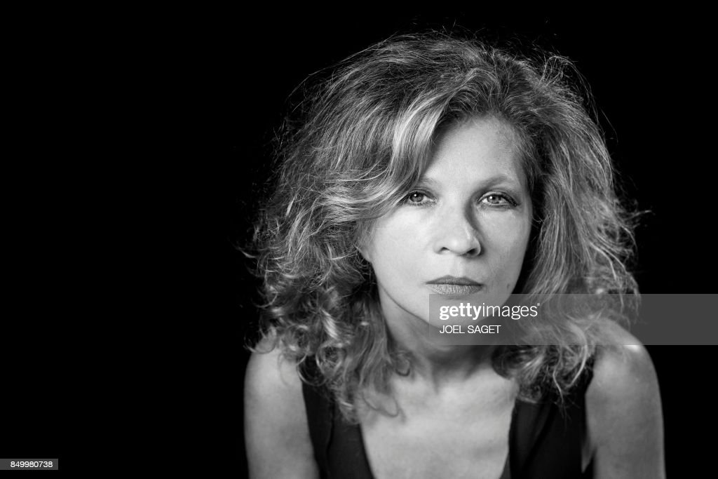 Eva ionesco black and white behind