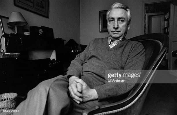 French writer and essayist Roland Barthes poses during a portrait session held on January 20, 1979 in Paris, France.