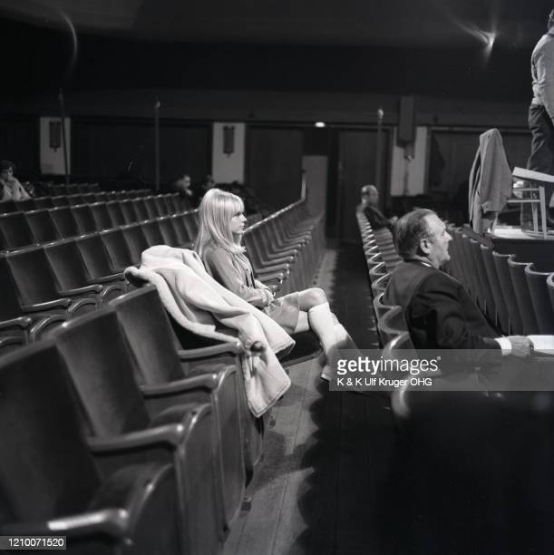 French ye-ye singer France Gall on the set of German TV Show 'Vergissmeinnicht', Hamburg, Germany, circa 1965.