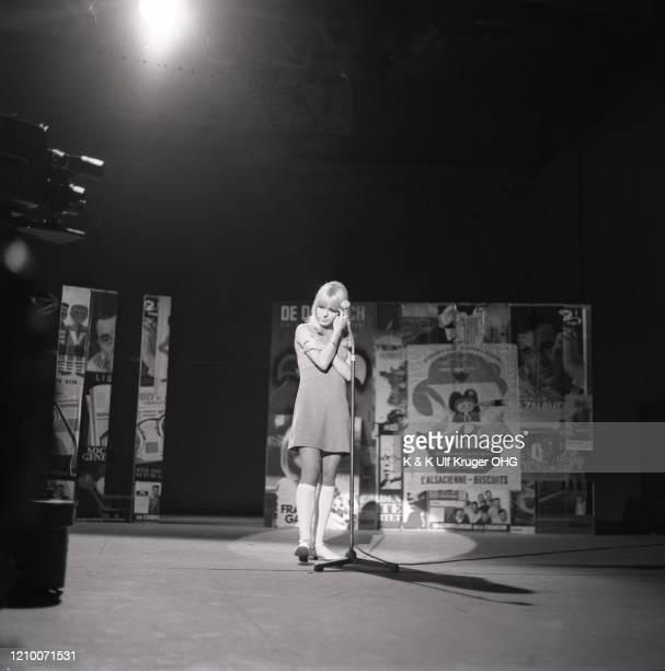 French ye-ye singer France Gall performs on German TV Show 'Vergissmeinnicht', Hamburg, Germany, circa 1965.