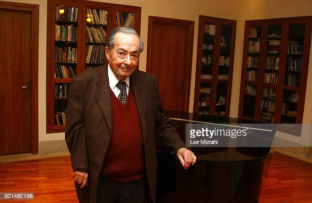 Frenchborn US writer scholar critic and philosopher George Steiner poses for a photo on January 05 2005 in Jerusalem Israel